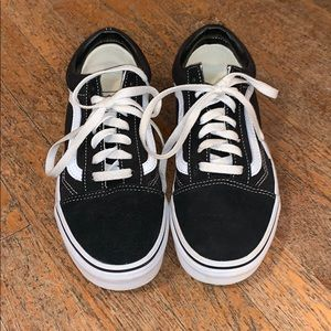 Women's Vans Classic Old Skool : Black/White